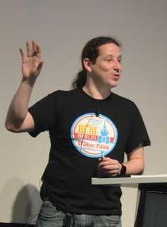 Mario Lukas bei seiner Keynote auf der MakerCon 2017