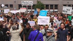 Demonstration für Grundrechte und Pressefrreiheit