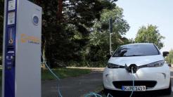 Spritfresser und Diesel könnten E-Auto-Prämie finanzieren