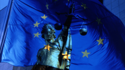 EU reformiert Datenschutz und beschließt Fluggastdaten-Speicherung