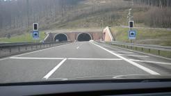 Neues System warnt vor Geisterfahrern im Autobahntunnel