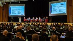 """Glasfaserausbau: Weg mit dem """"bescheuerten Förderprogramm"""""""