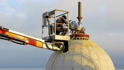 Forscher speichern Strom im Bodensee mit Betonkugel