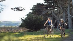 Skydio R1: Autonom fliegende Video-Drohne jetzt erhältlich