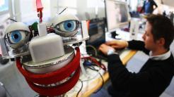 Unternehmen suchen händeringend nach Elektroingenieuren und  IT-Experten