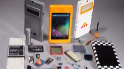 Prototypen und Bauteile des DIY-Smartphone-Kits Kite