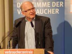 Ex-Bundesdatenschützer Peter Schaar räumt ein, dass Datenschutz auch auf Kosten des Nutzens gehen kann.
