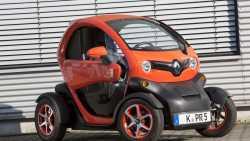 Renault erleichtert den Kauf seines E-Leichtkraftwagens Twizy