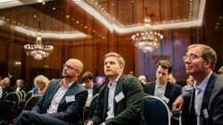 Daimler beteiligt sich stärker an Fahrdienst Blacklane
