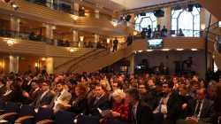 Münchner Sicherheitskonferenz: Verschlüsselung, gefälschte Blutgruppen und Donald Trump als US-Präsident
