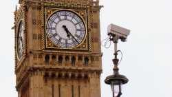 Großbritannien: Nicht wesentlich überarbeitetes Überwachungsgesetz vorgelegt