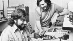 Steve Wozniak (l) und Steve Jobs