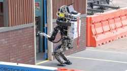 RO-MAN 2016: Mensch und Maschine kämpfen gemeinsam