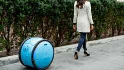 Piaggio entwickelt fahrenden Last-Roboter als Begleiter für Menschen