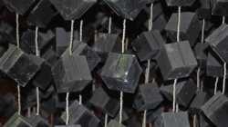 Atom-Forschung im Fels