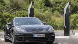 Elektroautos: Porsche entwickelt Schnell-Ladesäulen