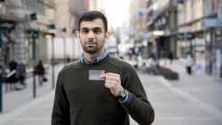 Asylsuchende in Finnland bekommen digitale Identität mit Prepaid-Kreditkarte