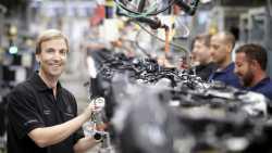 E-Auto: Daimler-Betriebsrat kämpft für Motoren-Jobs
