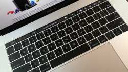 Chrome bald für MacBook Pro mit Touch Bar bereit