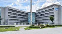 SAP hebt Umsatz-Ausblick nach starkem Quartal an