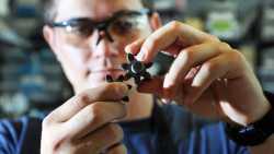 Pumpe aus Keramik-Material funktioniert bei bis zu 1400 Grad Celsius