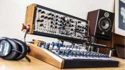 Minibrute 2 und 2S: Arturia stellt semi-modulares Synthesizer-System vor