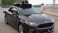 Fußgängerin stirbt nach Unfall: Uber stoppt seine autonomen Autos