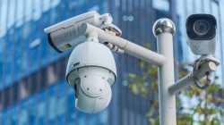 Offen wie ein Scheunentor: Millionen Überwachungskameras im Netz angreifbar