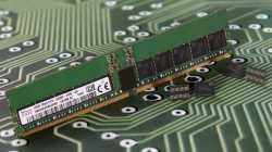 SK Hynix zeigt DDR5-Speichermodul mit 16-Bit-ECC