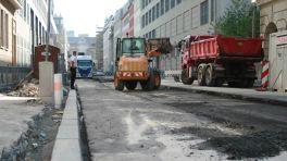 Asphaltierungsarbeiten in der Stadt