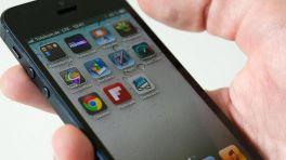 iPhone5 passt gut in eine Hand