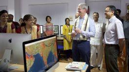 Tim Cook in Indien: Hoffen auf den Subkontinent