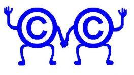 2 händchenhaltende Copyrightsymbole