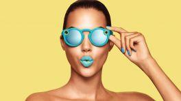 Spectacles: Snapchat-Kamerabrille wird aus dem Automaten verkauft