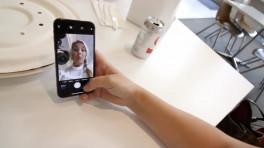 iPhone X in Caffe Macs