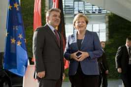 <div>$(LEhttp://www.bundesregierung.de:Bundesregierung