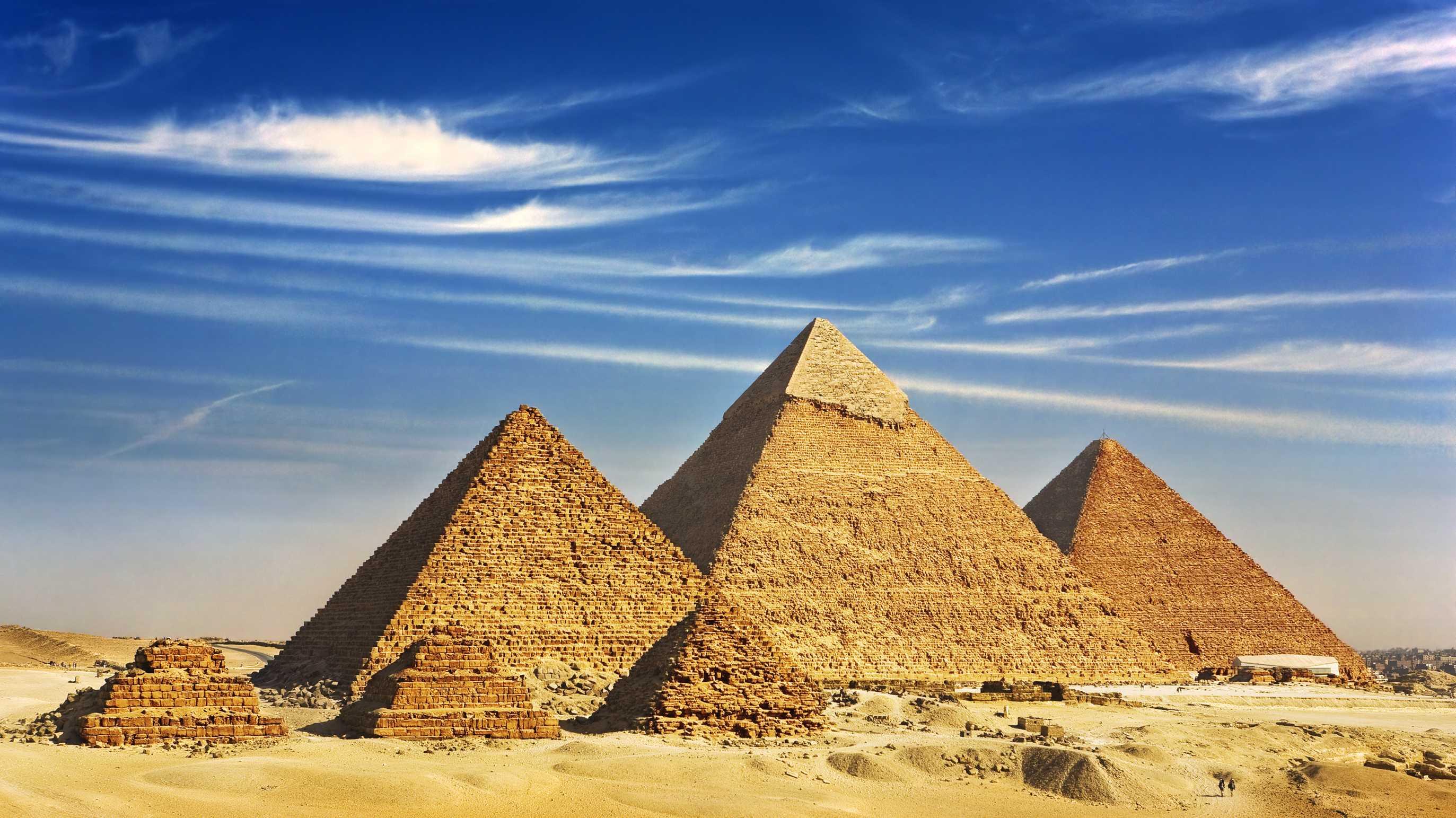 Von Pyramiden und Dokumentation