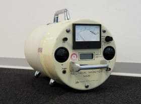 Mobiles Neutronen-Dosisleistungsmessgerät.