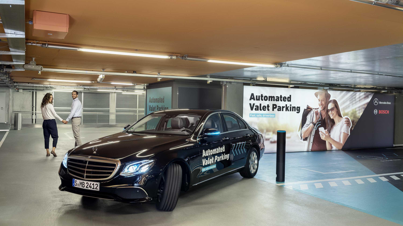 Roboterautos: Bosch und Daimler setzen fahrerloses Parken im Realbetrieb ein