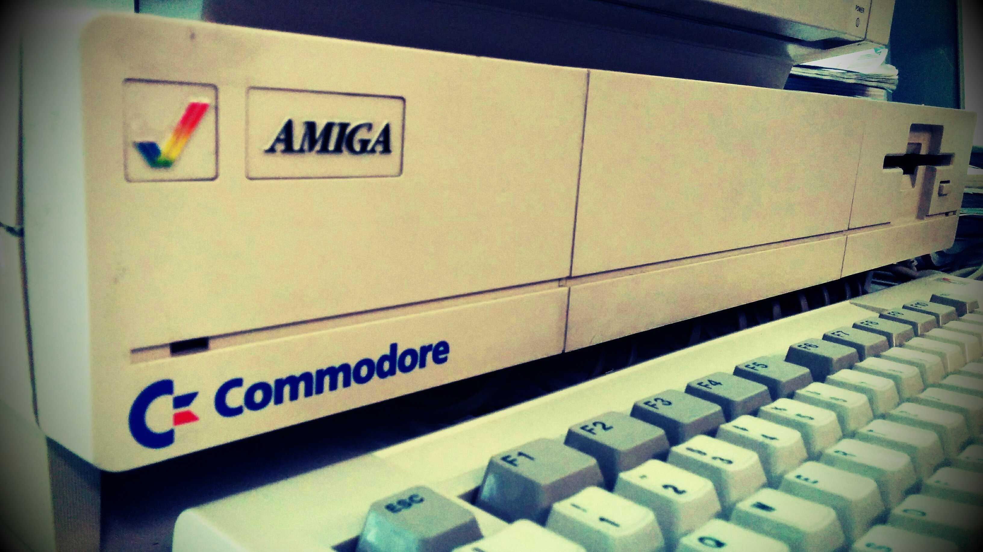 Online-Compiler übersetzt Free Pascal für Amiga