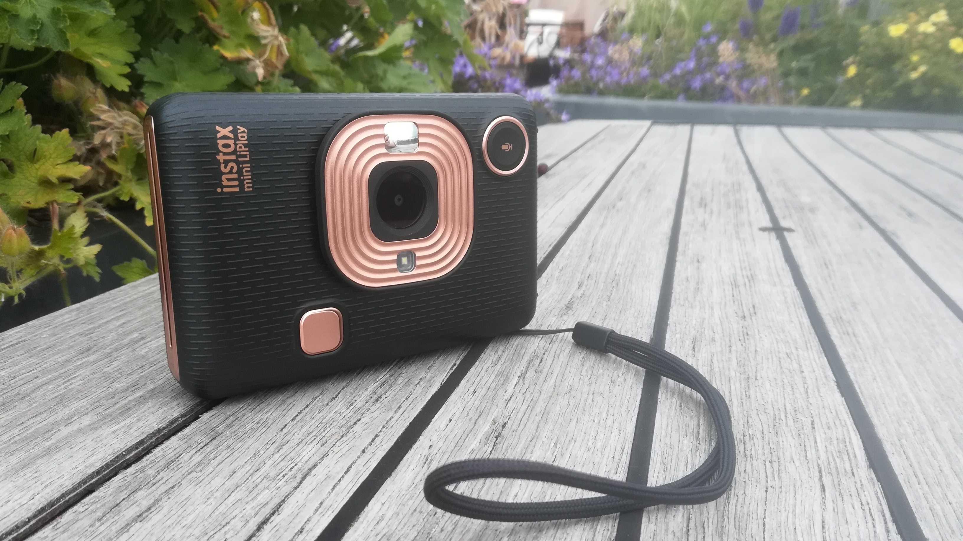 Sofortbildkamera mit Soundfunktion: die Fujifilm instax mini LiPlay