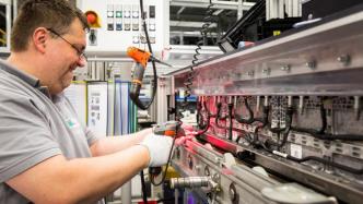 Daimler investiert 500 Millionen Euro in zweite Batteriefabrik