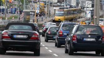 Zweiter Feinstaubalarm: Etwas weniger Autoverkehr