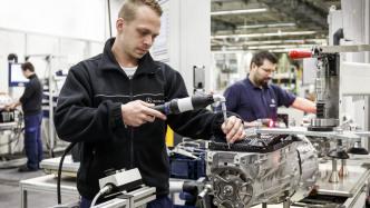 Daimler-Mitarbeiter: Akkuproduktion nach Stuttgart