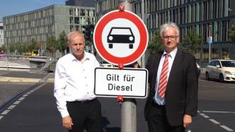 Stuttgart: Kabinett will Nachrüstung statt Fahrverbote