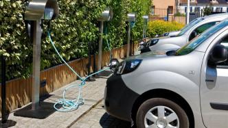 E-Autolobby: Elektroautos überlasten Stromnetz nicht