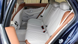 Mercedes-E-Klasse: Rückruf wegen Gurtstraffern