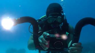 Neue wasserdichte Foto- und Videokamera mit 20 Megapixel