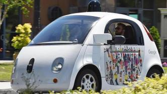 Bericht: Google entwickelt autonomes Auto ohne Lenkrad vorerst nicht weiter