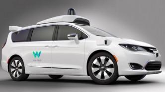 für Waymo umgerüsteter Mini-Van